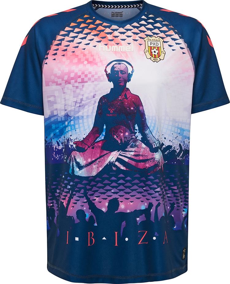 adfa539f5 Time da 4ª divisão espanhola lança a camisa mais doida da temporada ...