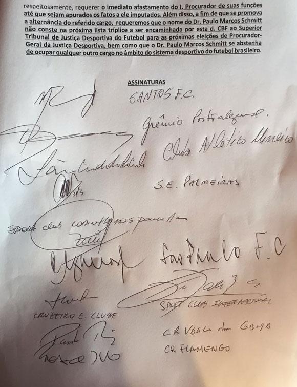 Documento com assinatura de dez dirigentes de clubes pedindo a saída de Paulo Schmitt