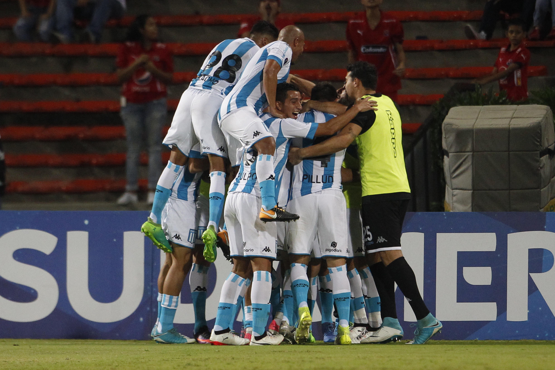 Racing (Argentina) - fase de grupos - 4º colocado na Argentina