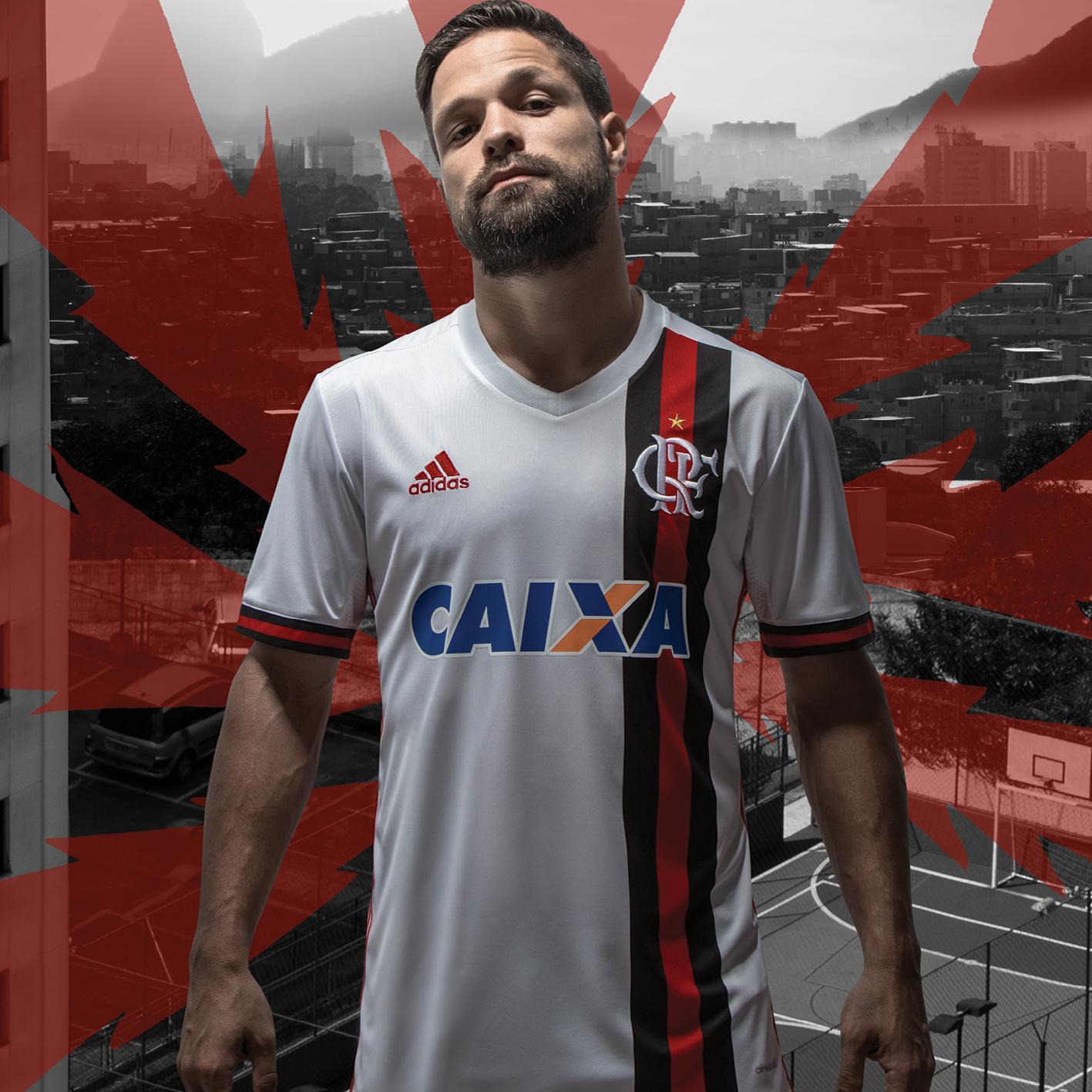 Diego foi o escolhido para divulgar o novo uniforme rubro-negro 69644af1baef4