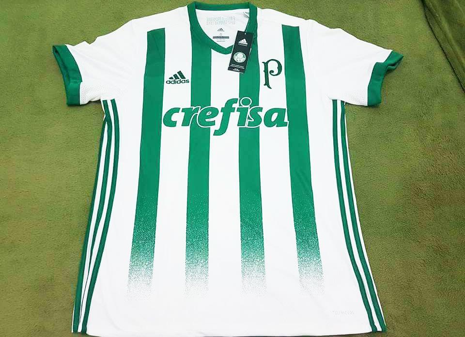 21b48971a9a8c Nova camisa 2 do Palmeiras tem listras estilo Atlético Nacional ...