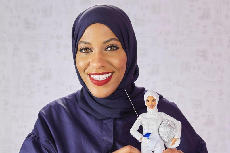 b5a814cb78 Medalhista olímpica muçulmana dos EUA inspira criação da primeira ...