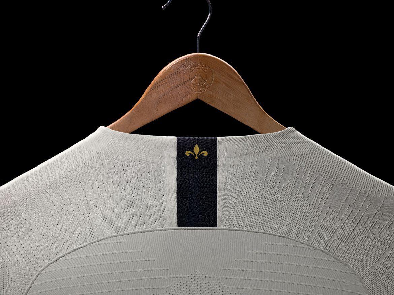 PSG lança nova camisa 2 7d2a15c5bc133