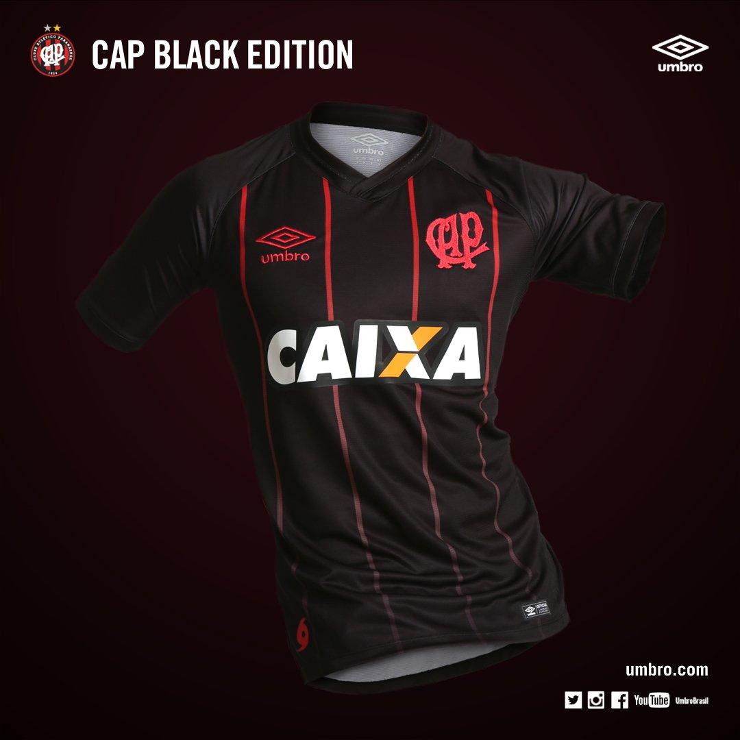 1738b6c572 É azul  Nova camisa de treino do Atlético-MG revolta torcedores na ...