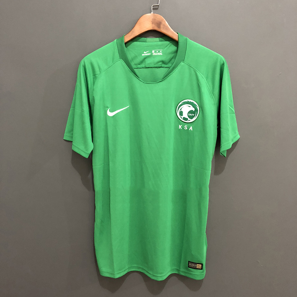 Fonte das novas camisas do Palmeiras será igual à do Borussia ... cd02e6bad30