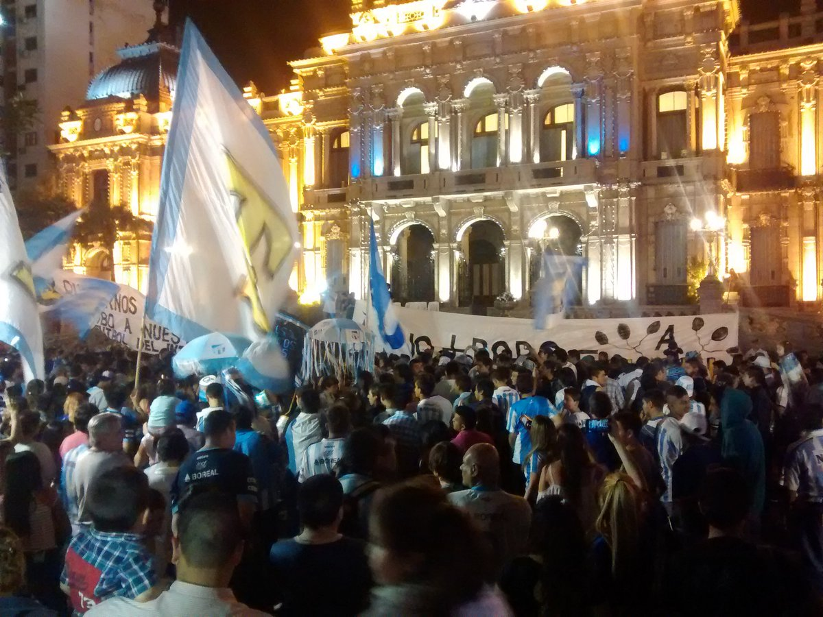 Torcida do Atlético Tucumán protestou pela vaga na Libertadores