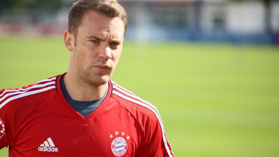 Neuer: 5º no Fifa 18, com 92 pontos; 55º maior valor no Transfermarkt, 40 milhões de euros