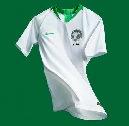Arábia Saudita lança novas camisas 1 e 2 para a Copa do Mundo ... bfaf3b8d0b34f