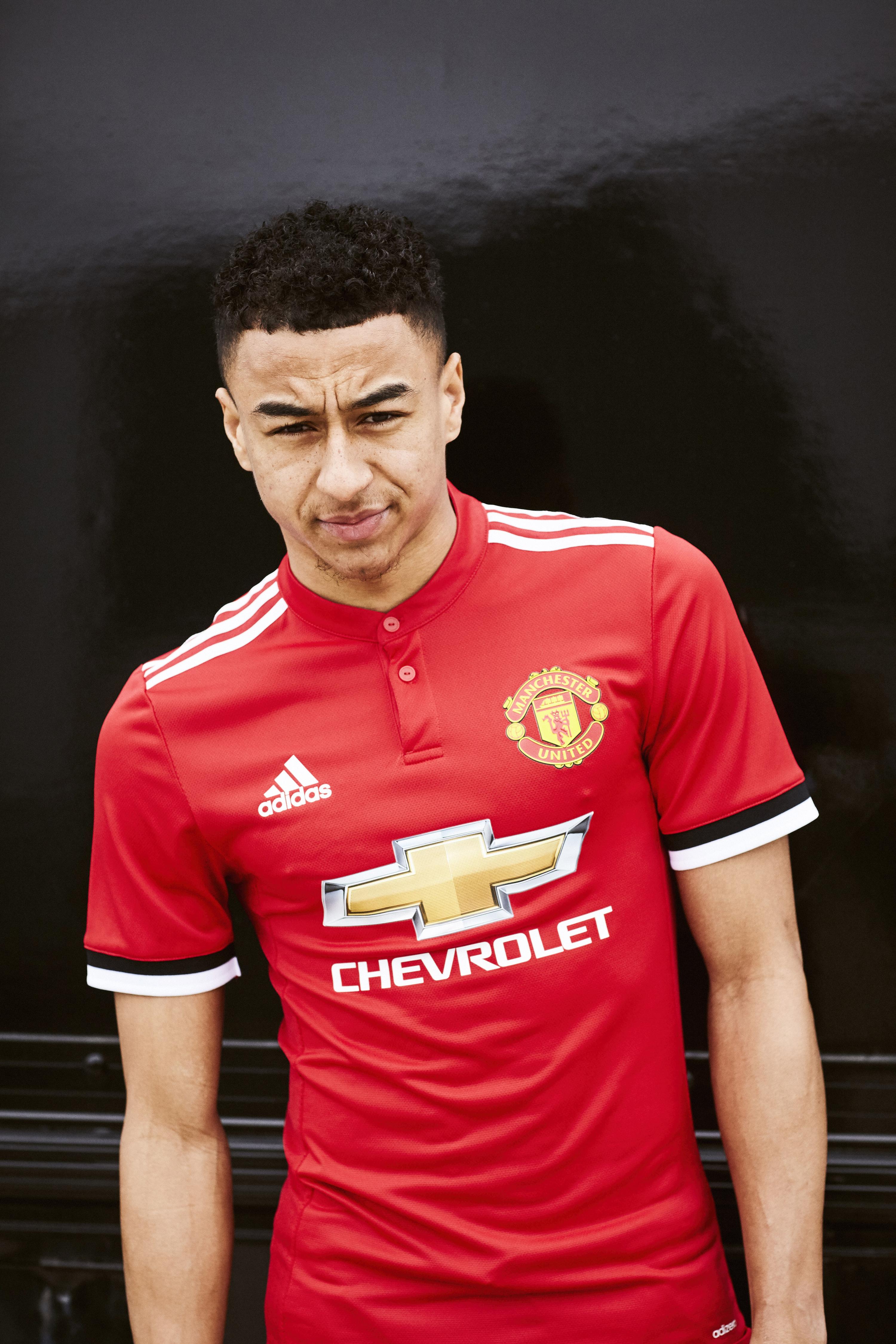72d0292598 Manchester United apresenta nova camisa 1 e uniforme de goleiro ...