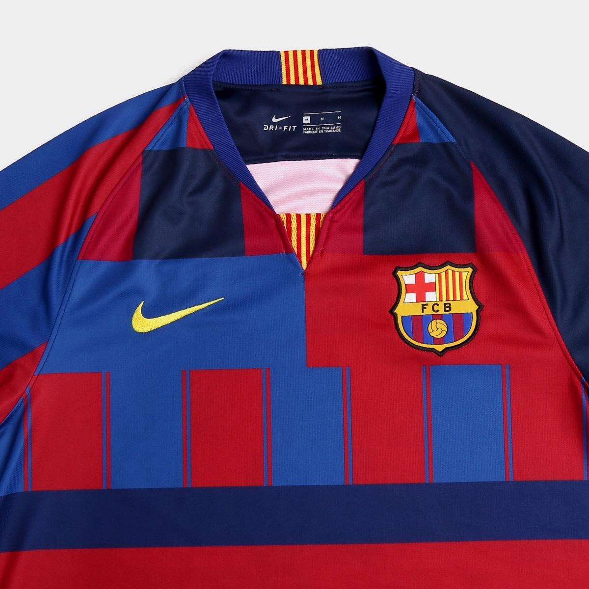 f95a049e58d76 Barcelona oficializa a  camisa mais polêmica de todos os tempos ...