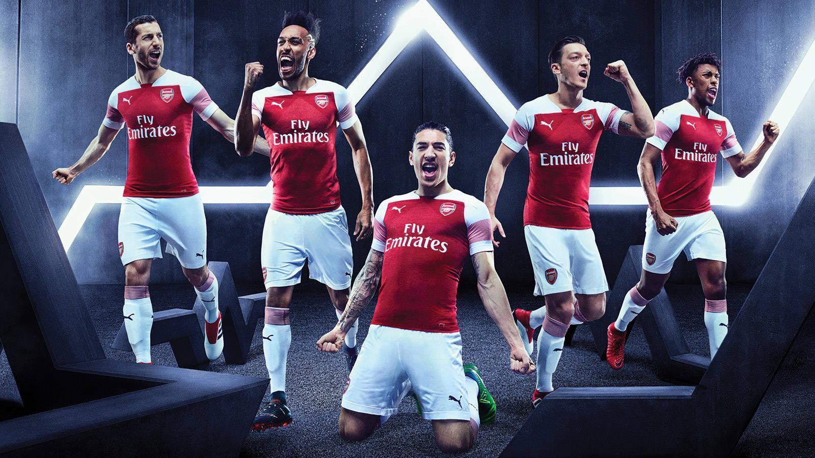 482961edf5 O Arsenal apresentou nesta terça-feira sua nova camisa 1.