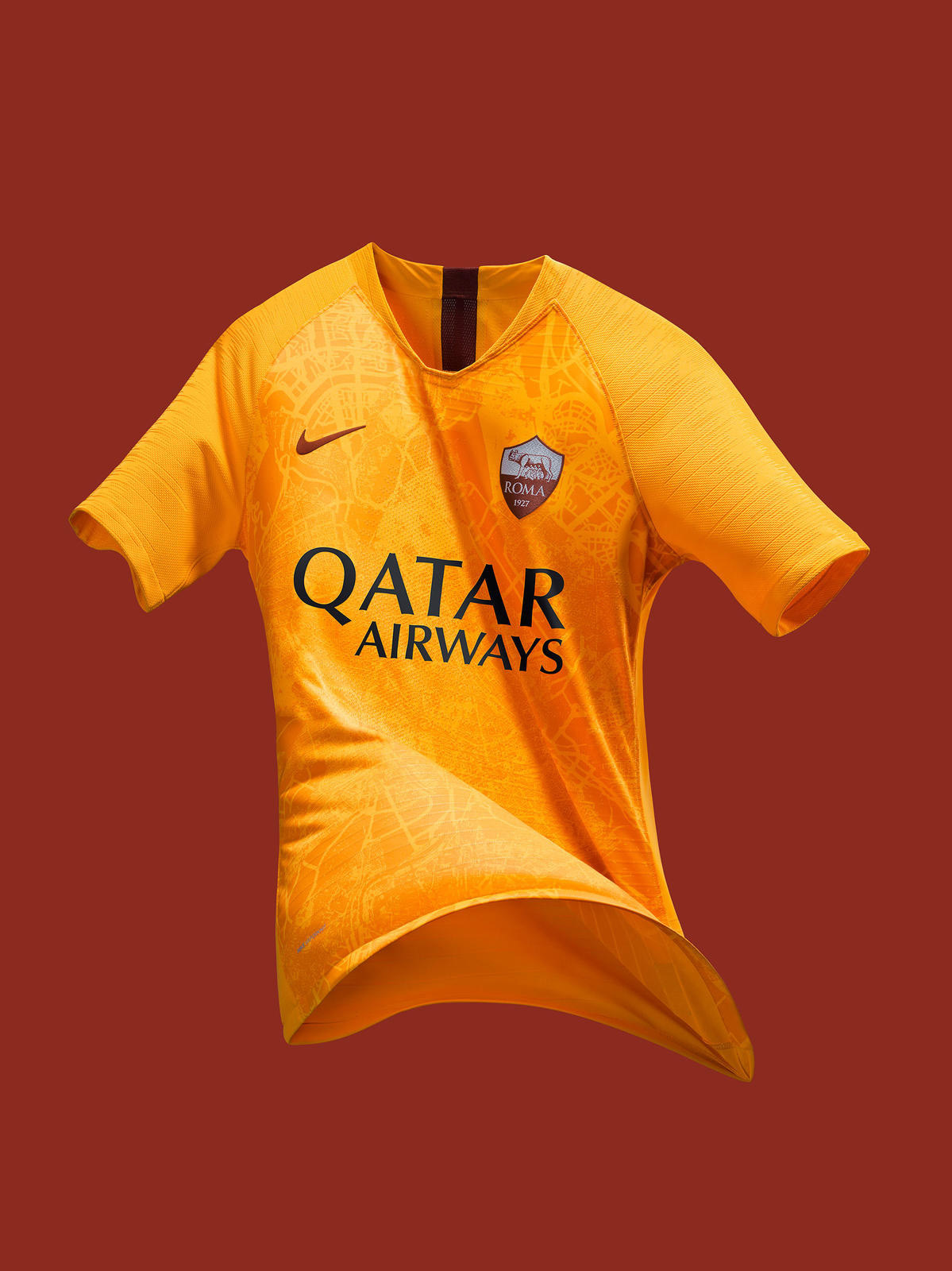 A Roma apresentou nesta sexta-feira sua nova camisa 3. Toda amarela ... d8d00a134f96f