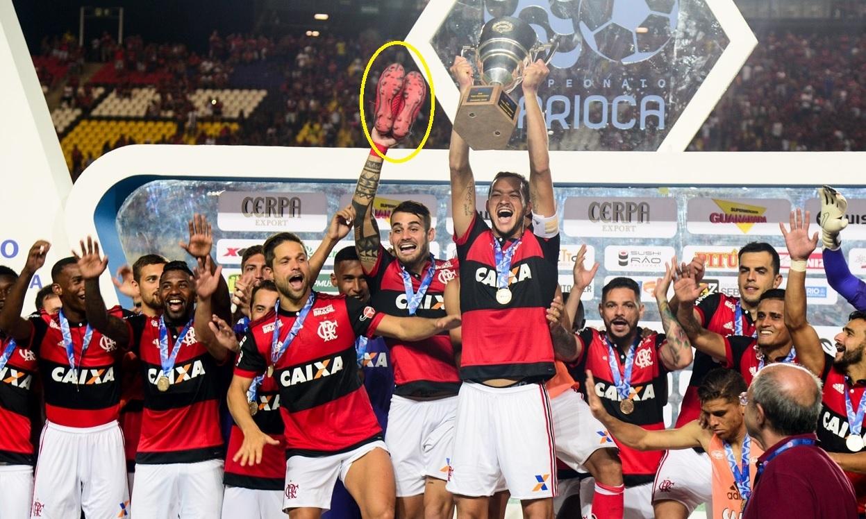 Réver ergue o troféu da Taça Guanabara 0787ce7aae018
