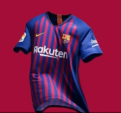 Barcelona apresenta nova camisa 1 com faixas em homenagem a cada ... 793d2deaa57
