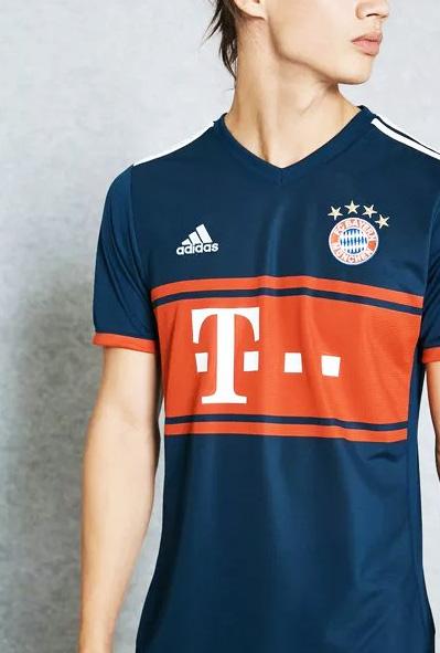 9777a9212f Nova camisa 2 do Bayern é inspirada em uniforme dos anos 90