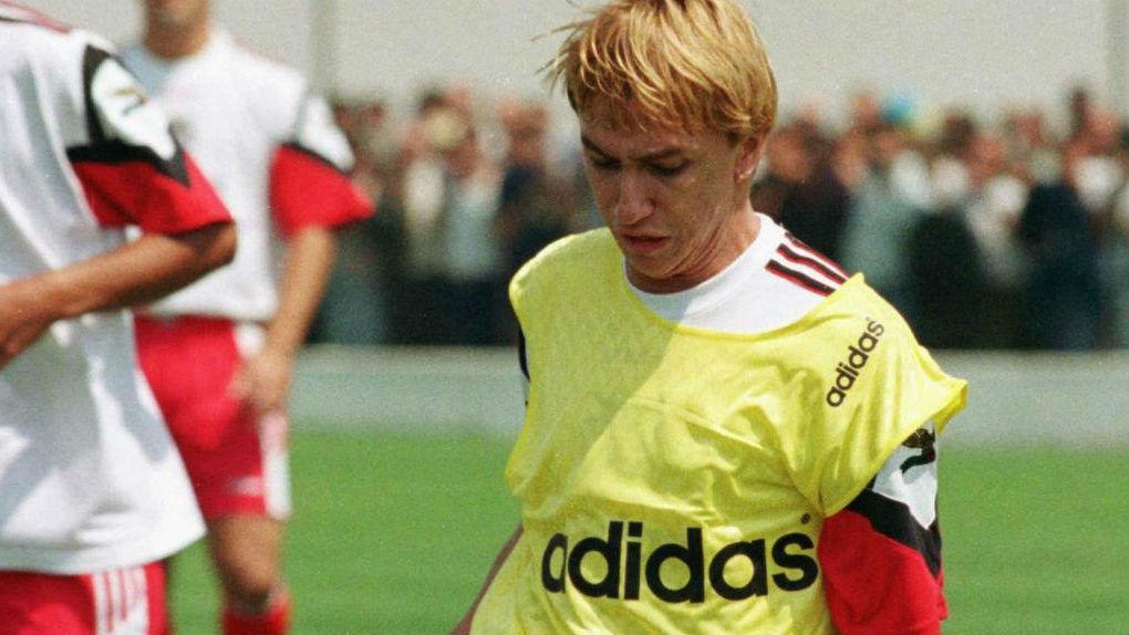 Destaque do Grêmio, Paulo Nunes chegou ao Benfica na temporada 97/98. No time português, ele fez oito jogos e marcou dois gols. Todos na estreia