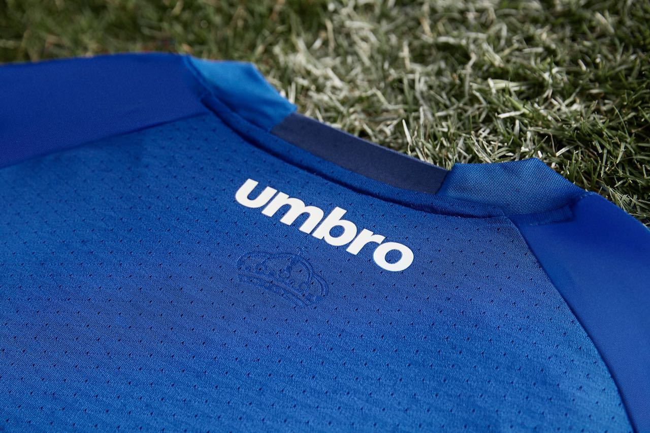f11a16c0d73be O novo manto estará disponível nas lojas oficiais do clube a partir desta  quarta.