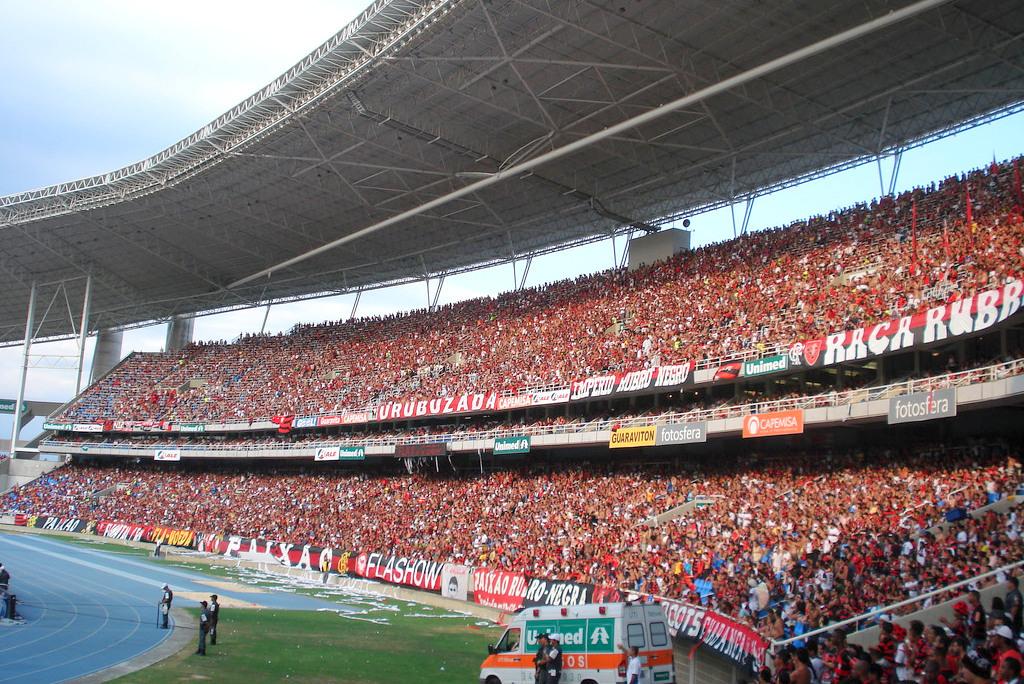Como Botafogo e Flamengo deixaram  xiitas  de lado e costuraram acordo pelo  Engenhão aa1856e137fa2