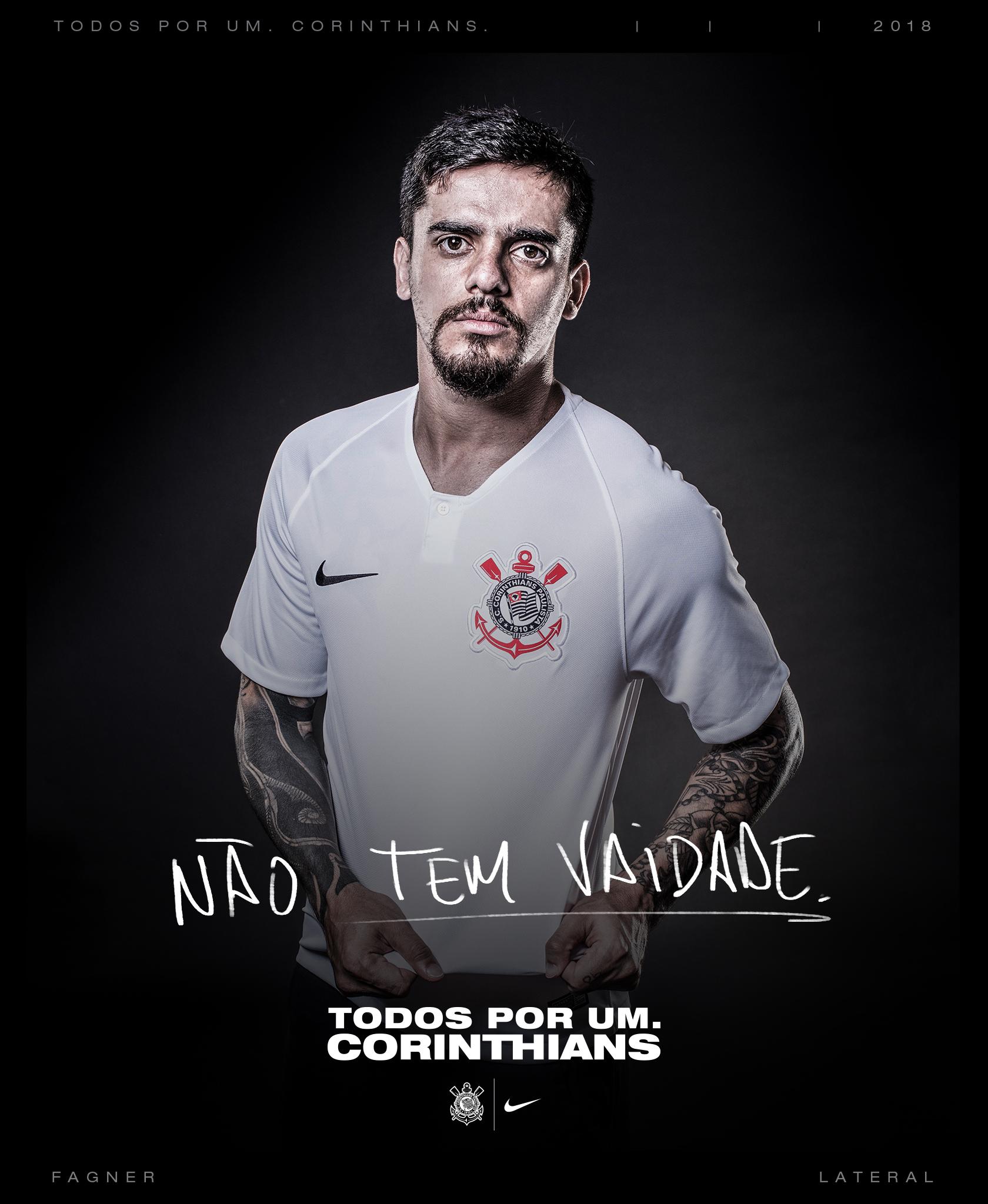 Corinthians anuncia redução de preços e apresenta novas camisas 1 e ... 222a868de2abf
