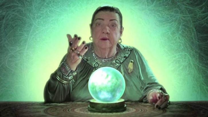Benedicta Finazza, a vidente Mãe Dináh, que ficou famosa nos anos 1990 e morreu em  2014