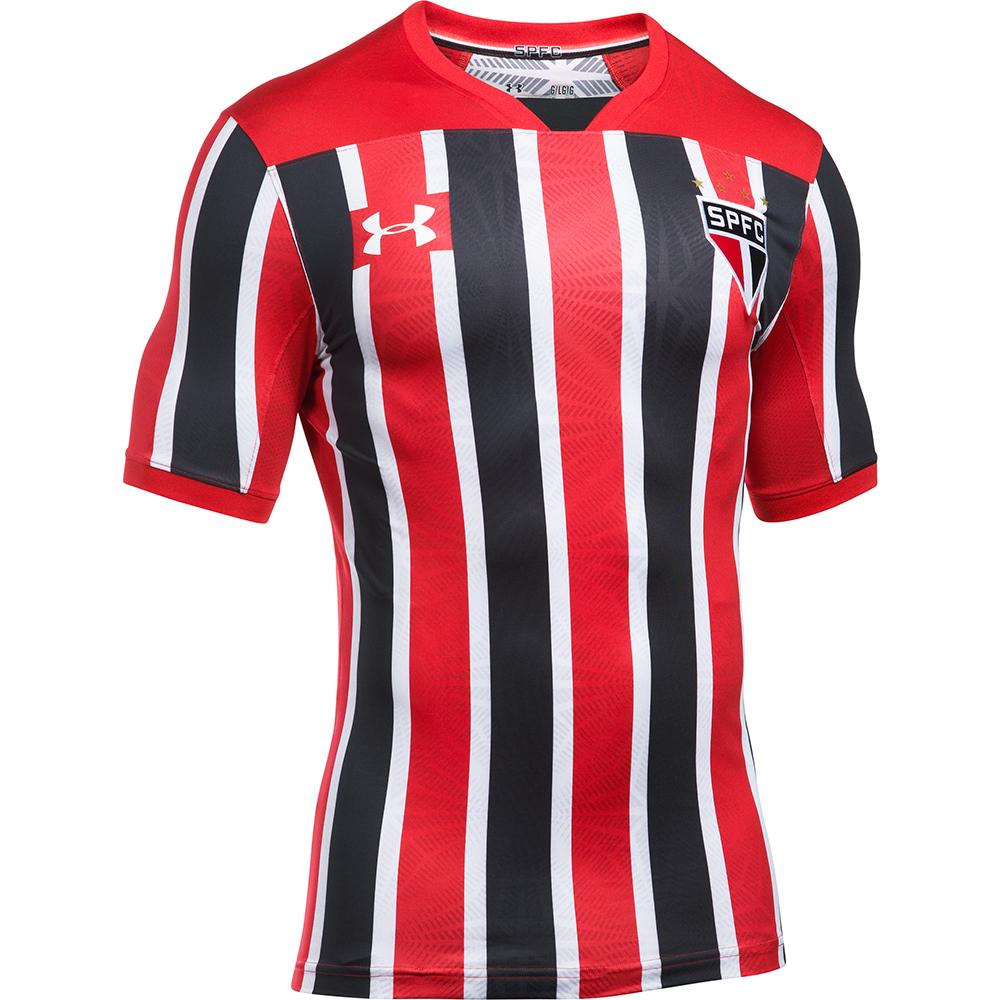 d421fa60dc As camisas já estão à disposição para compra no novo site da Under Armour  para todo o Brasil, assim como nas lojas físicas da marca.