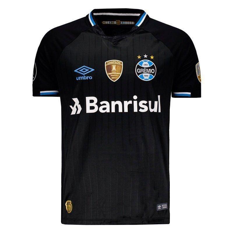 O uniforme 3 do Grêmio não foi muito usado pelo clube na temporada. No  entanto 1774e52cb5463