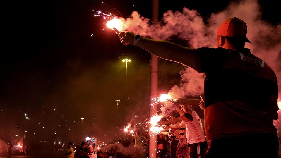 Flamengo lamenta violência: 'Ação de selvagens'