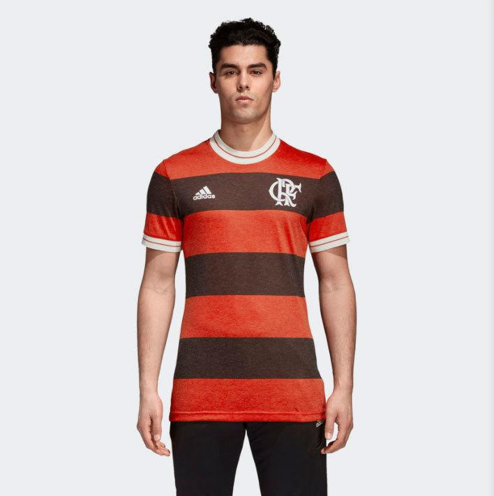 09fcddcf4a A camisa do Real também está à venda no Brasil