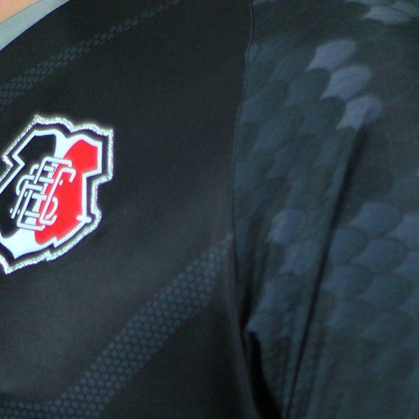 Vale lembrar que o Santa Cruz fabrica seus próprios uniformes desde  fevereiro deste ano 939626df265f0