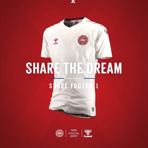 As camisas já estão à venda na loja oficial da Hummel. 1d535163349fa