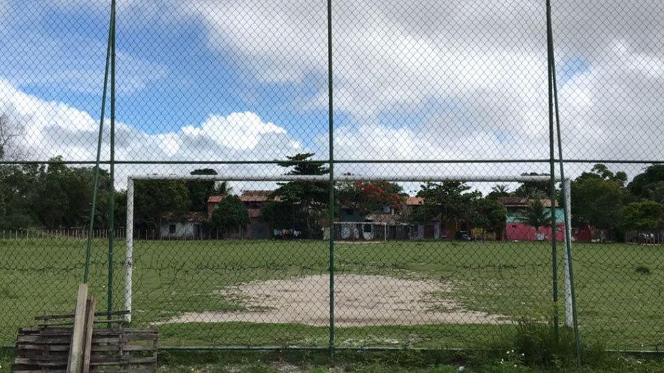 Campo reformado pela DFB ainda mantém a grama plantada