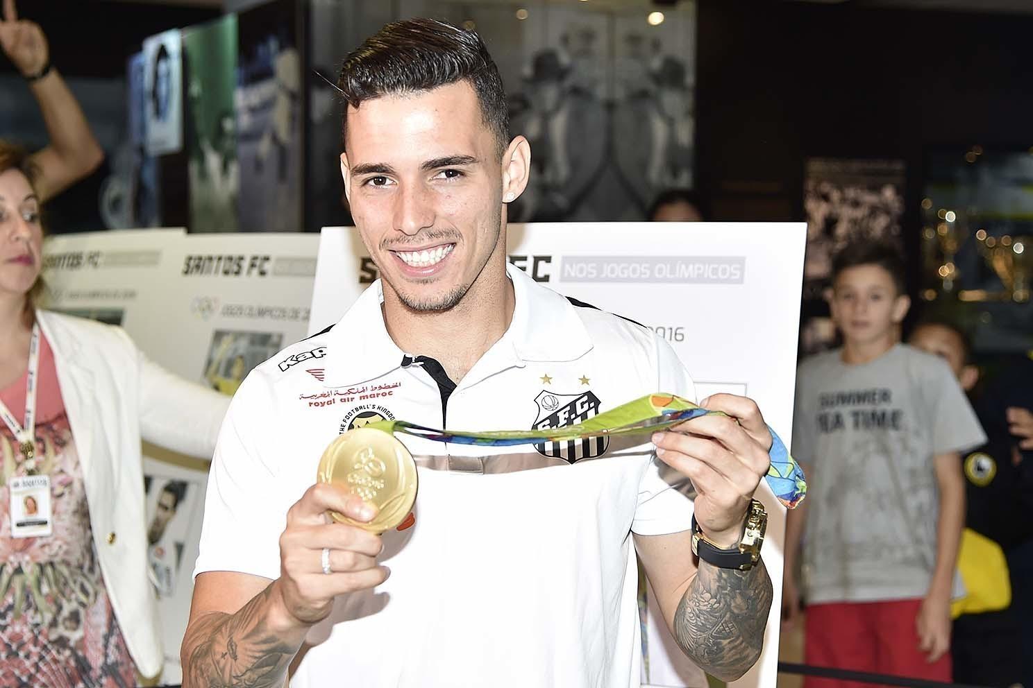 c9b29e6f9c Risco que Corinthians assume fez Flamengo desistir de Zeca