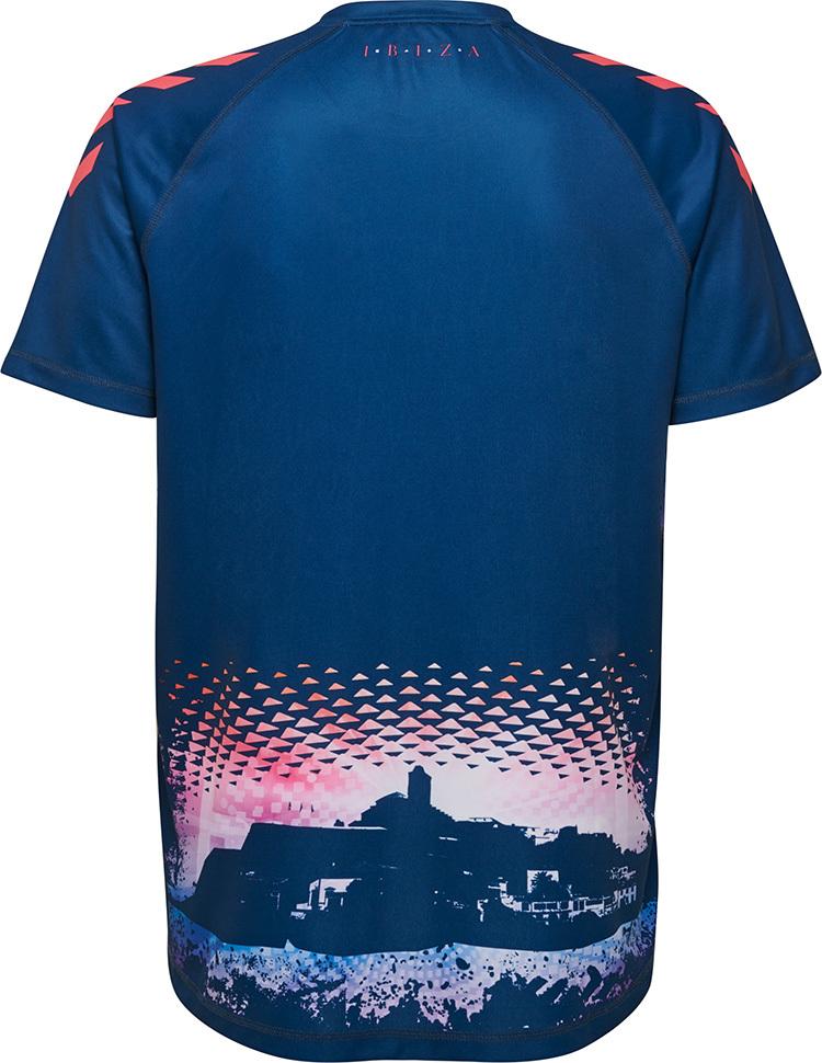 883c10aac Time da 4ª divisão espanhola lança a camisa mais doida da temporada ...