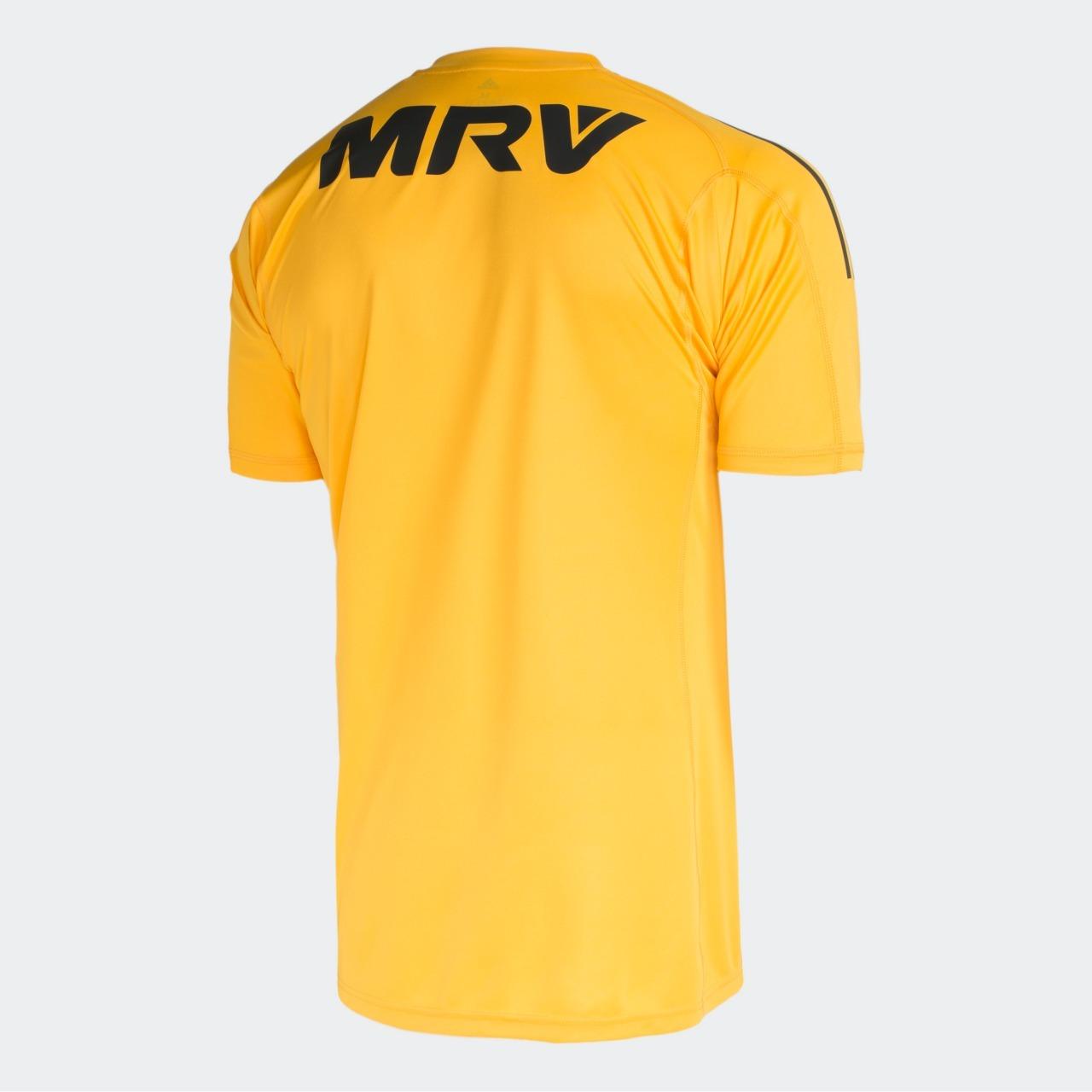 A nova camisa de goleiro do Flamengo estará à venda a partir desta  sexta-feira b9d8696200f78