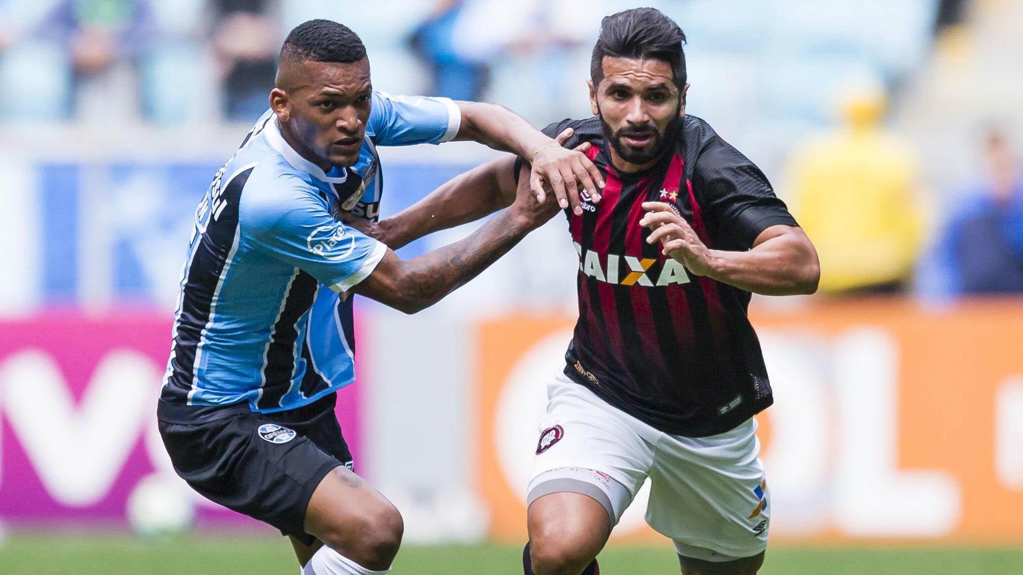 Com reservas, Grêmio empata com Atlético-PR