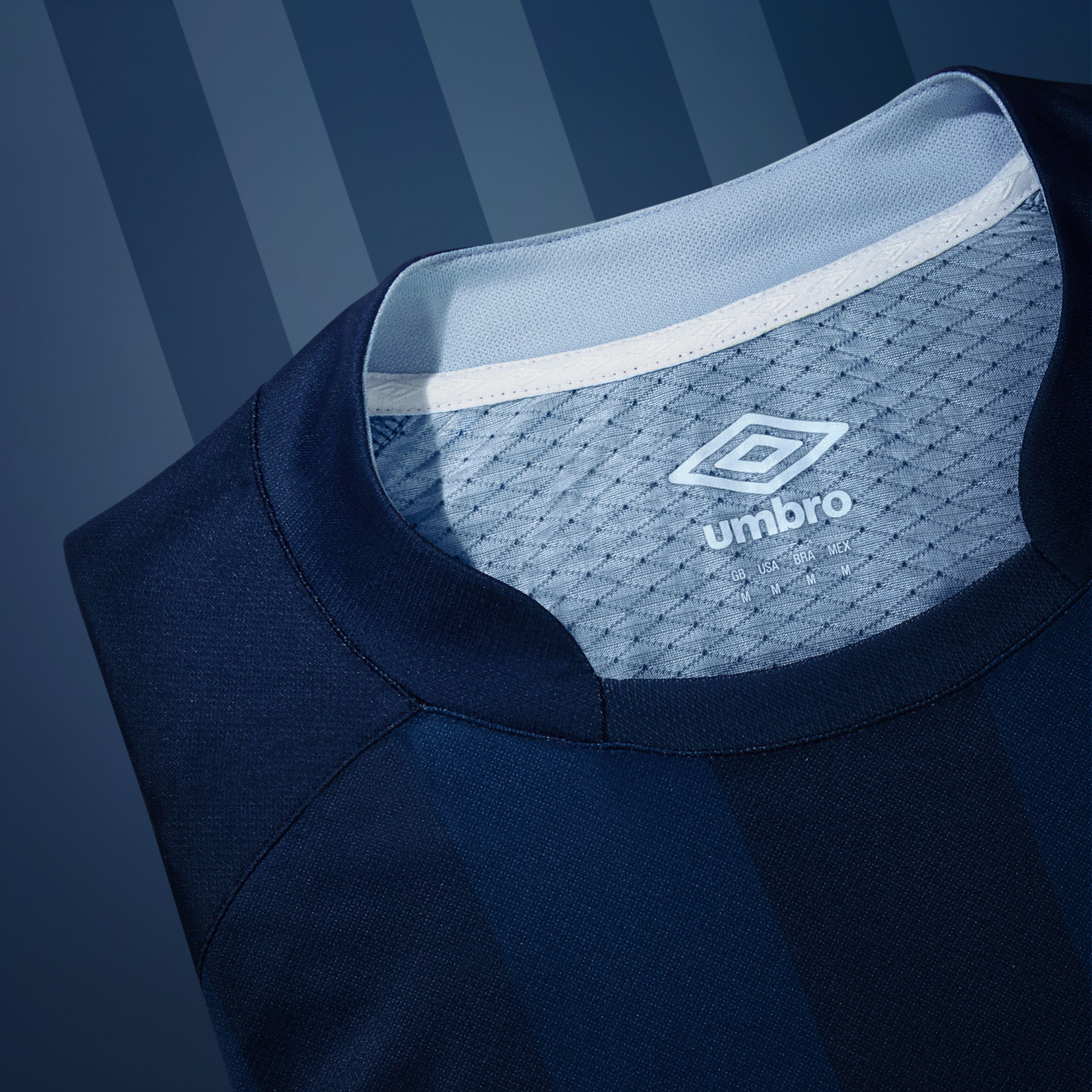2758ad59bda41 Paris Saint-Germain divulga nova camisa 1 com várias mudanças ...