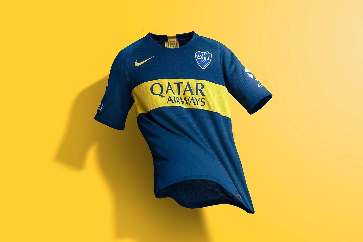 7a2486410 Barcelona lançará a  camisa mais polêmica de todos os tempos ...