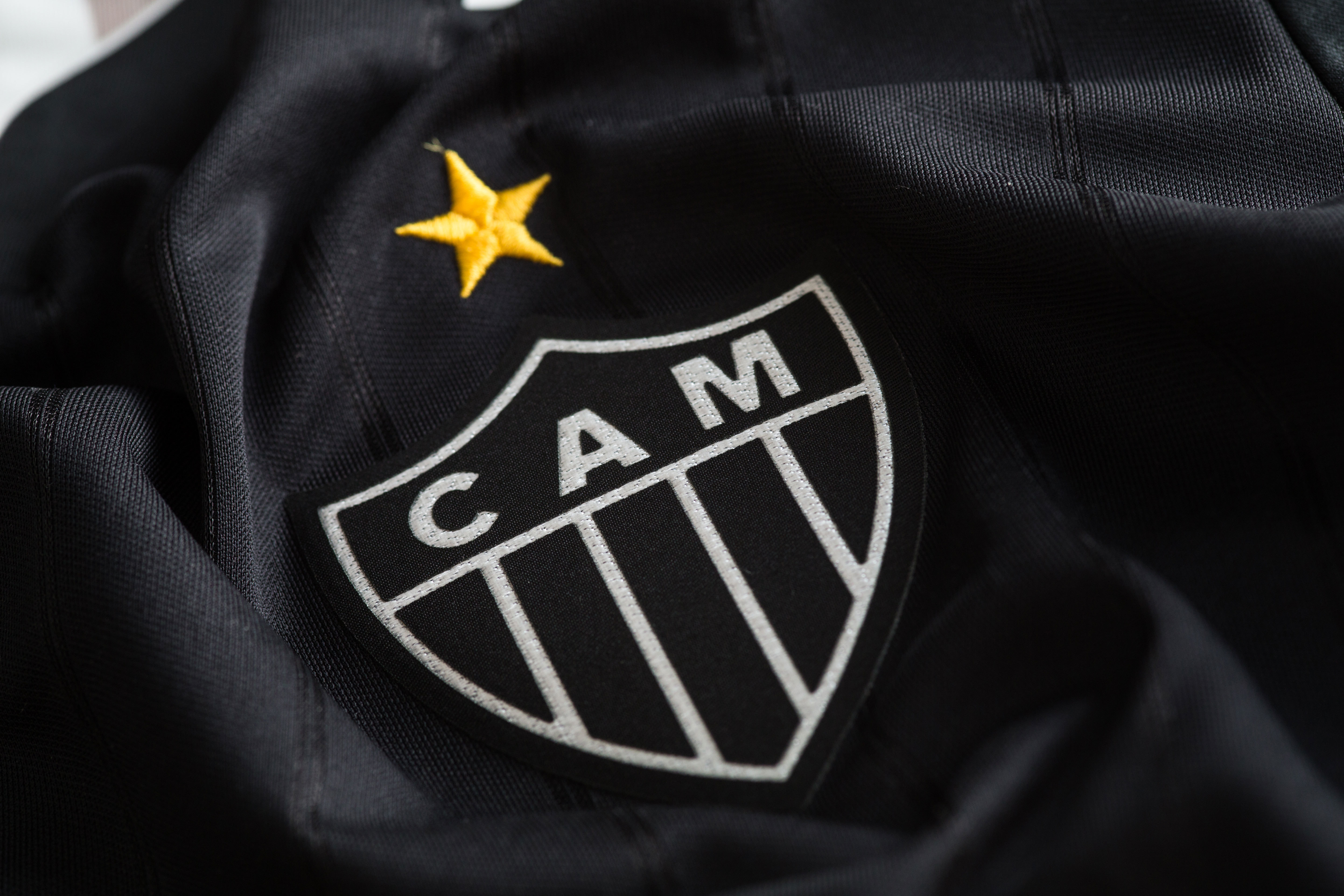 Atlético-MG lança camisa 3  All Black  b64684af383ae