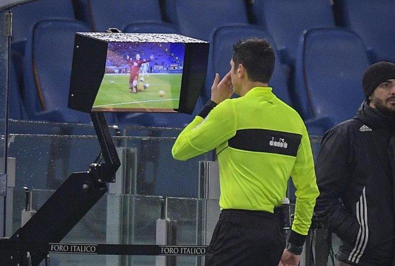 826f9dea711b3 45 correções e 6 erros. Um balanço positivo do árbitro de vídeo após meia  temporada na Itália