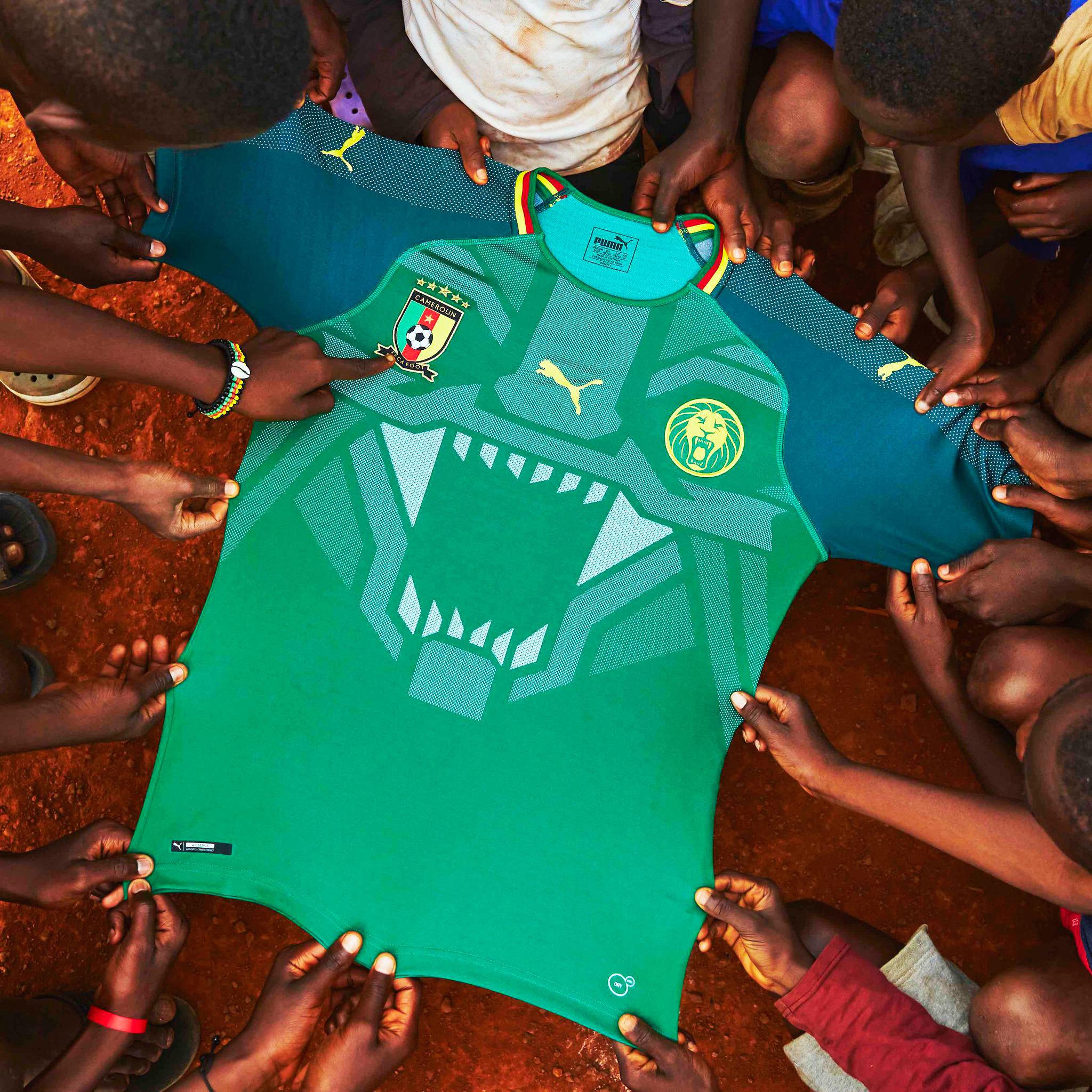 Camarões apresenta uma das camisas de futebol mais inovadoras de ... 570aae4644eb9