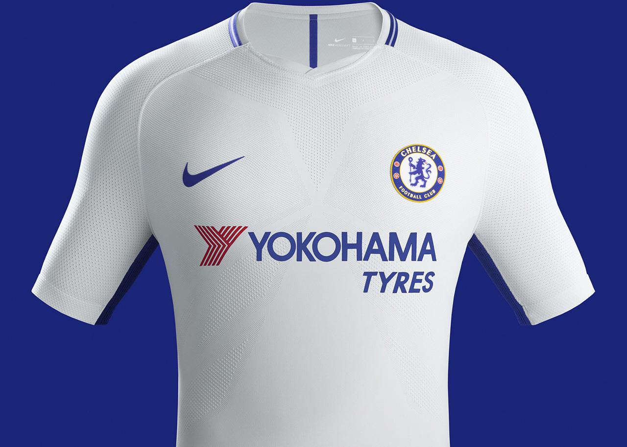 064f086b6c Os uniformes já estão à venda na loja online do Chelsea por R  250.