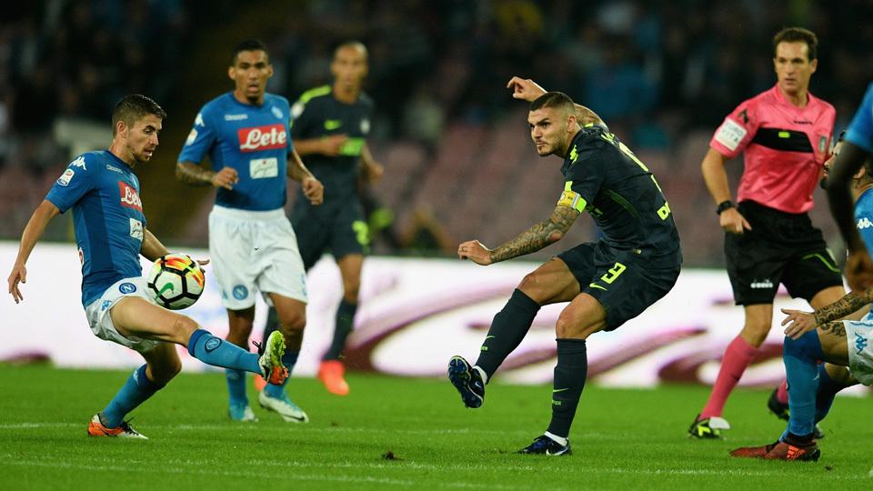 Napoli empata com a Inter, mas segue como líder