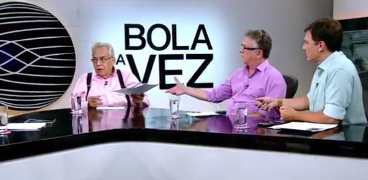 Eurico Miranda entrega relatórios sobre finanças e patrimônio do Vasco durante o 'Bola da Vez'