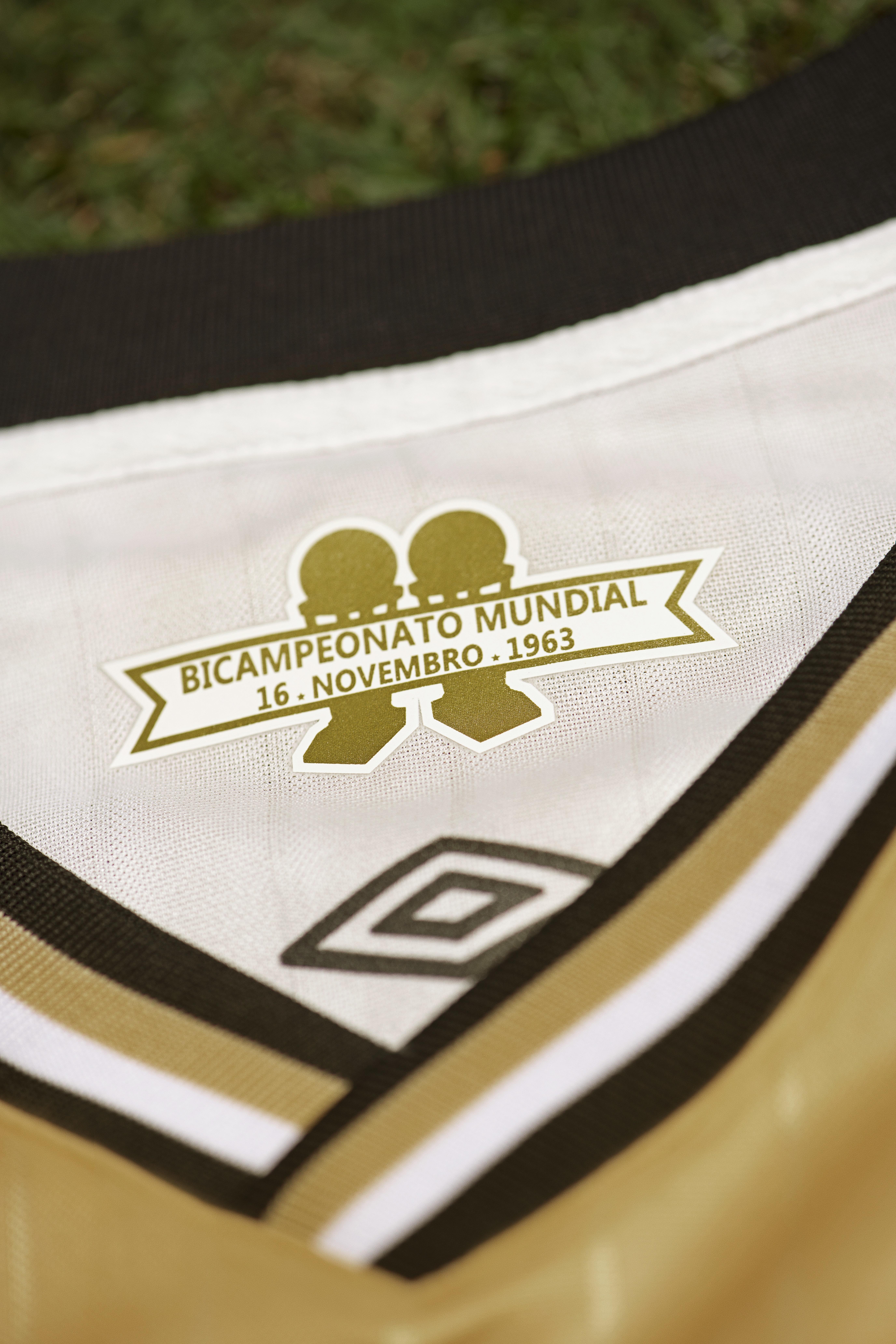 8551918be75ec Santos  Nova camisa 3 dourada vaza antes do lançamento oficial ...
