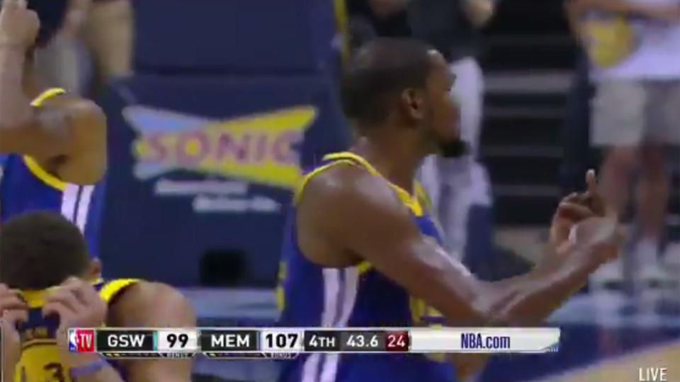 Curry e Durant se descontrolam, Warriors perdem