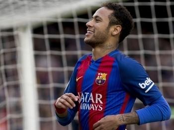 Neymar completa 25 anos neste domingo