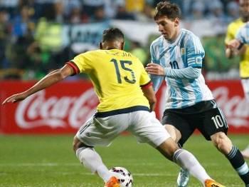 Messi sofreu com a marcação colombiana e, especialmente, com o goleiro Ospina