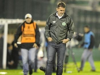 Chapecoense tenta se recuperar de derrotas para Grêmio e Ponte Preta