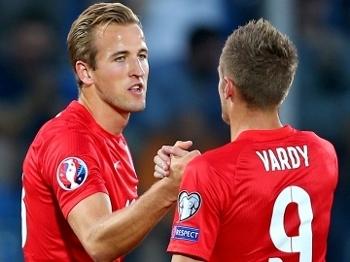 Kane (21) e Vardy (19) somam juntos 40 gols no Campeonato Inglês