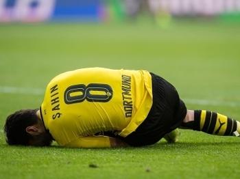 Sahin saiu machucado no primeiro tempo